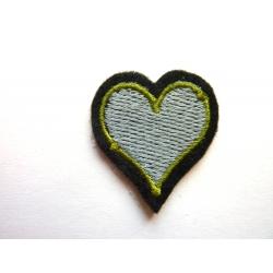 Appliqué thermocollant petit coeur gris et vert olive
