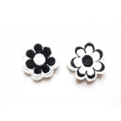 Patch thermocollant petites fleurs blanches et noires