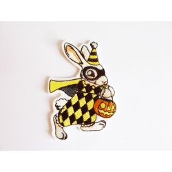 Halloween Patch thermocollant lapin portant une citrouille