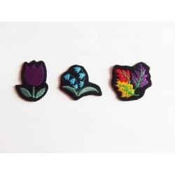 3 petites fleurs thermocollantes