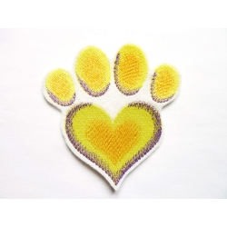 Broderie patch thermocollant patte de chien en coeur