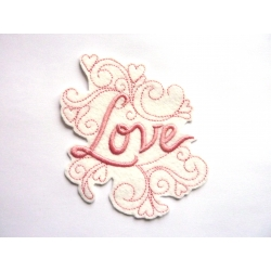 Love et arabesques, broderie thermocollante rose