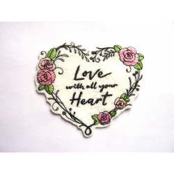 Love en coeur et roses, broderie thermocollante
