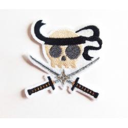 Broderie tête de mort ninja