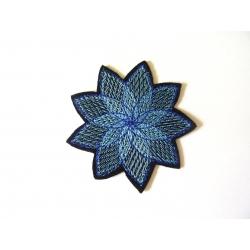 Appliqué fleur patch thermocollant rosace bleu clair et bleu foncé