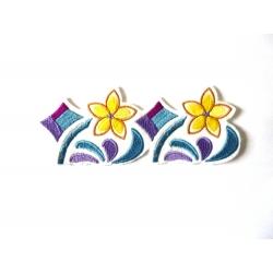 Ecusson fleurs en frise